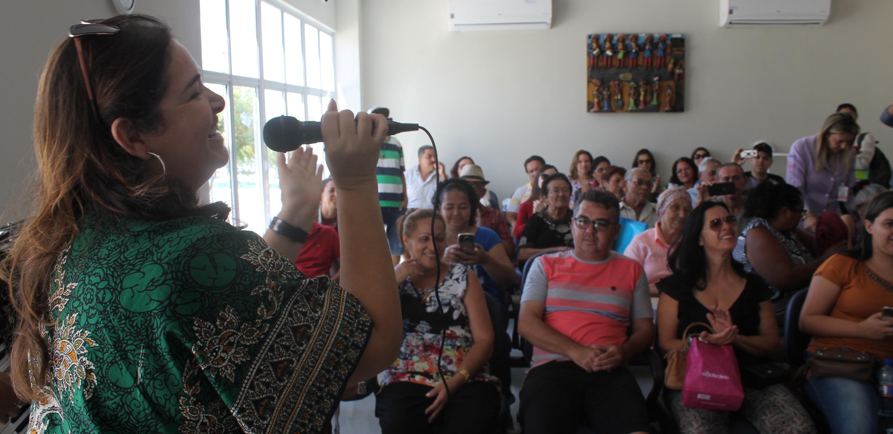 Unidade de Oncologia realiza cantata para pacientes