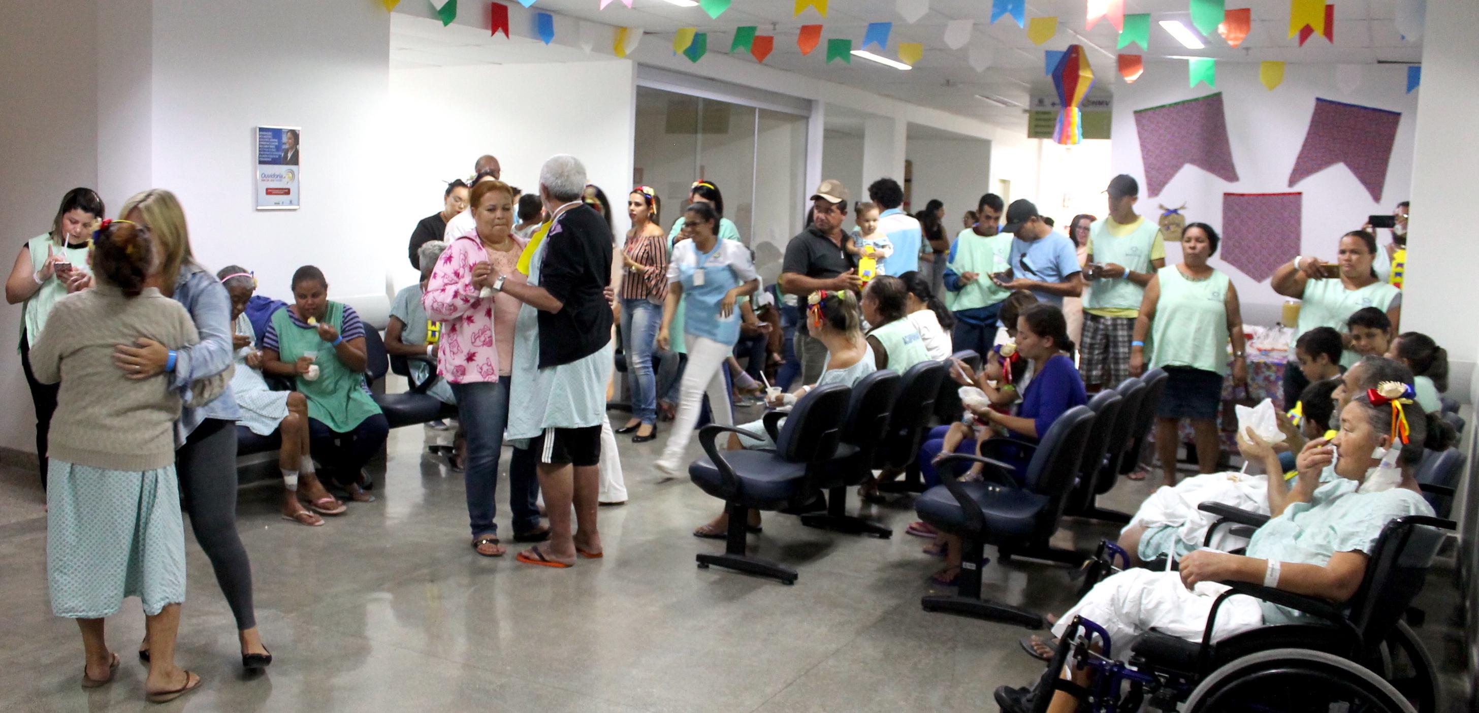 SÃO JOÃO - Pacientes e acompanhantes participaram de festa junina no HMV